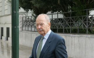 greek-politicians-pay-their-respects-to-stephanopoulos