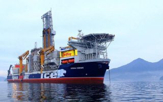 cypriot-ministers-us-ambassador-visit-stena-icemax-drillship-in-cyprus-eez0