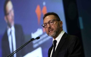 stournaras-calls-for-joint-fiscal-action-in-eurozone