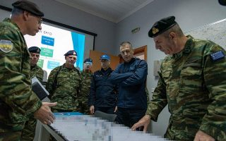greek-forces-turn-back-attempts-at-border-crossing