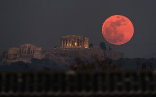 super-blue-blood-moon-rises-over-the-acropolis