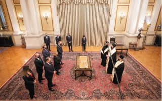 new-cabinet-s-health-conscious-swearing-in-ceremonies0