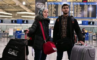 in-athens-refugees-tutored-on-new-life-in-europe