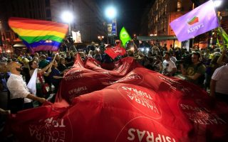 poll-shows-drop-in-syriza-s-nd-s-popularity