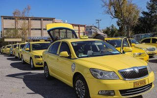 cheating-cabbies-lie-in-wait-of-unsuspecting-tourists