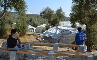 hundreds-of-migrants-living-in-tents-on-aegean-islands-amid-fears-of-worsening-weather