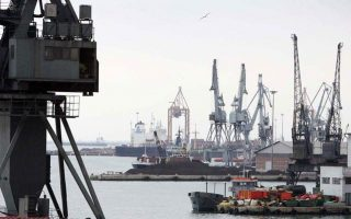 greece-approves-port-sale-in-thessaloniki