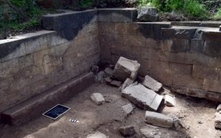 temple-of-nemesis-found-under-remains-of-ancient-mytilini-theatre0