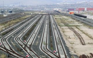 greece-pushes-back-to-august-1-deadline-for-rail-freight-terminal-bids