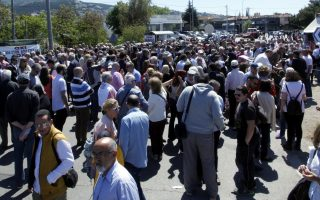 residents-in-northern-athens-suburbs-protest-toll-plans