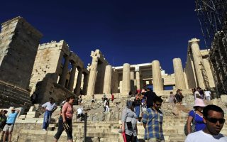acropolis-to-close-for-three-hours-on-friday