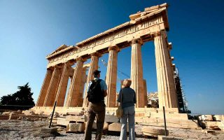 greece-risks-missing-out-on-tourism-season0