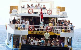 turkish-minister-expected-in-athens-for-talks-over-ferry-ban