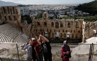 greece-takes-third-spot-in-online-searches-for-global-destinations