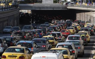 downtown-athens-and-thessaloniki-gridlocked-by-marches-and-transport-strikes