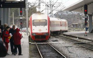 train-derails-in-central-greece-two-injured