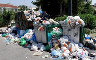union-of-striking-garbage-collectors-to-make-counterproposal-to-gov-amp-8217-t