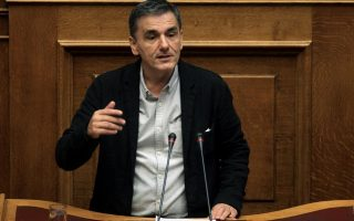 tsakalotos-claims-greece-at-bottom-of-pile-in-covid-spending