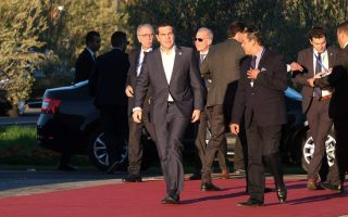 tsipras-underlines-greek-solidarity-to-refugees-at-migration-summit