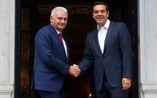 greek-turkish-leaders-meet-amid-tension-over-servicemen