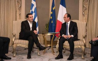 tsipras-talks-with-hollande-at-unesco-meeting