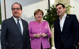 tsipras-merkel-hollande-agree-on-open-borders-until-march-6