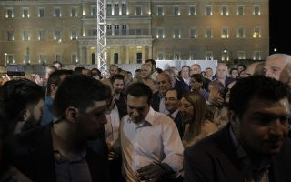 greeks-deeply-divided-heading-into-crucial-vote