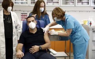 tsipras-gets-vaccine-slams-government-s-publicity-stunt