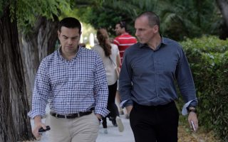 tsipras-and-varoufakis-go-public-with-spat