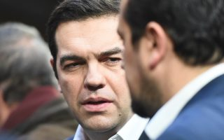 polls-show-low-spirits-and-waning-support-for-syriza