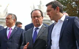 hollande-says-greece-must-be-treated-with-dignity
