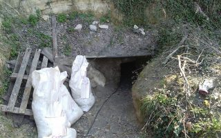 eight-arrested-over-illegal-antiquity-dig-in-serres