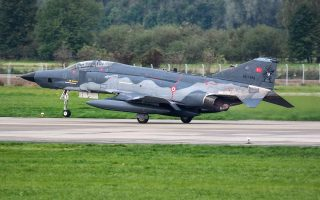 turkish-jets-violate-greek-air-space-during-president-amp-8217-s-tour0