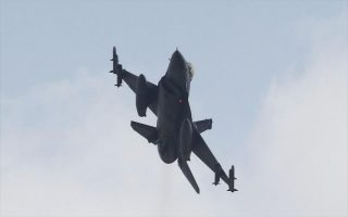 turkish-fighter-jets-fly-over-eastern-aegean-islets