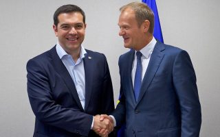 tsipras-reacts-to-tusk-statement-on-closure-of-balkan-route-for-migrants