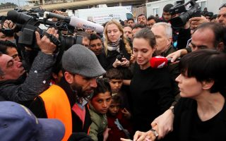 angelina-jolie-to-visit-lesvos-on-thursday
