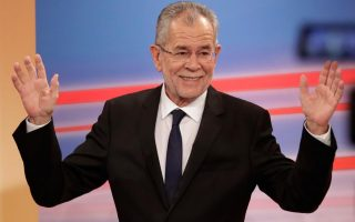 greek-pm-welcomes-result-of-austrian-presidential-election