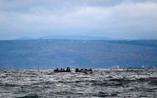 over-400-migrants-reach-greek-islands-in-4-hours