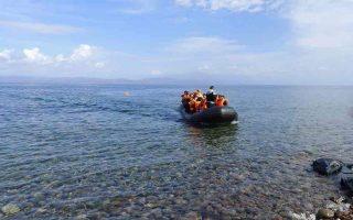 children-among-turks-seeking-asylum-after-landing-on-oinousses