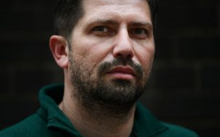 greek-canadian-journalist-wins-uk-award-for-migrant-coverage