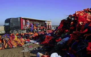 greek-island-gives-migrant-life-jackets-for-ai-weiwei-artwork