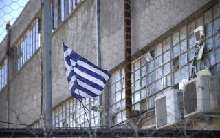 group-occupies-site-of-planned-mosque-in-athens