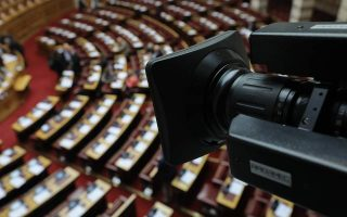 greek-political-leaders-clash-over-school-sitins