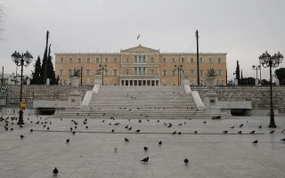 lockdown-strongest-weapon-against-virus-surge-in-athens-says-expert