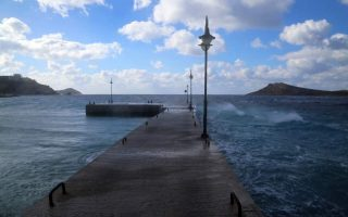 ferry-services-halted-across-greece-amid-high-winds