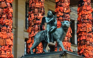 weiwei-amp-8217-s-berlin-art-project-features-refugee-life-vests-from-lesvos