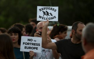 civil-society-local-government-show-eagerness-to-help-with-refugees