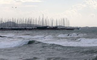 ferries-moored-due-to-high-winds