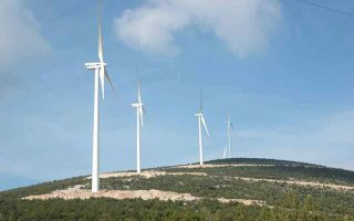 highway-operators-stand-in-the-way-of-wind-turbine-installations