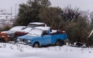 snow-knocks-out-power-lines-in-central-greece